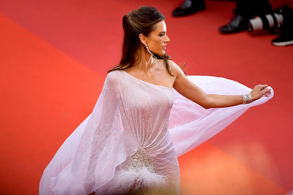 "Cannes International Film Festival「""The Dead Don't Die"" & Opening Ceremony Red Carpet - The 72nd Annual Cannes Film Festival」:写真・画像(6)[壁紙.com]"