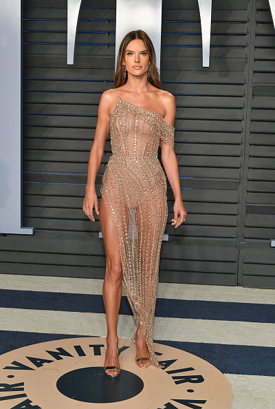 Alessandra Ambrosio「2018 Vanity Fair Oscar Party Hosted By Radhika Jones - Arrivals」:写真・画像(14)[壁紙.com]