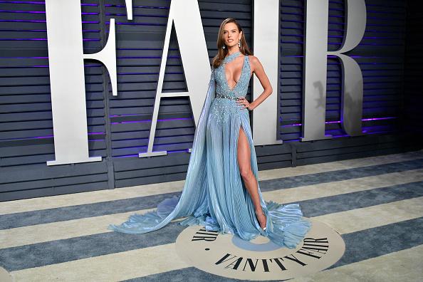 Alessandra Ambrosio「2019 Vanity Fair Oscar Party Hosted By Radhika Jones - Arrivals」:写真・画像(9)[壁紙.com]