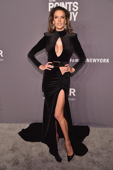 Alessandra Ambrosio「amfAR New York Gala 2019 - Arrivals」:写真・画像(17)[壁紙.com]