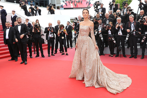 "Cannes International Film Festival「""The Wild Pear Tree (Ahlat Agaci)"" Red Carpet Arrivals - The 71st Annual Cannes Film Festival」:写真・画像(2)[壁紙.com]"