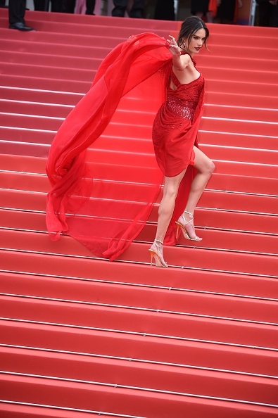 "72nd International Cannes Film Festival「""Les Miserables"" Red Carpet - The 72nd Annual Cannes Film Festival」:写真・画像(16)[壁紙.com]"