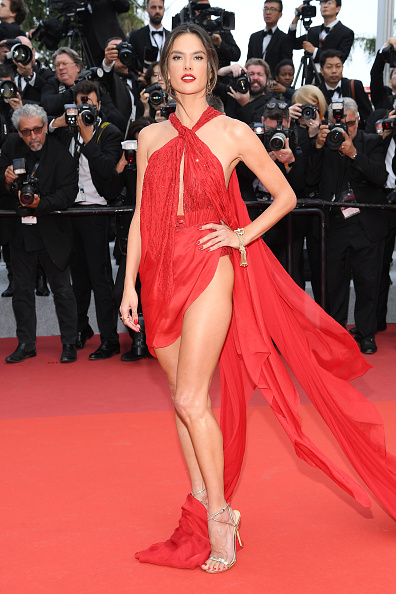 "Alessandra Ambrosio「""Les Miserables"" Red Carpet - The 72nd Annual Cannes Film Festival」:写真・画像(15)[壁紙.com]"