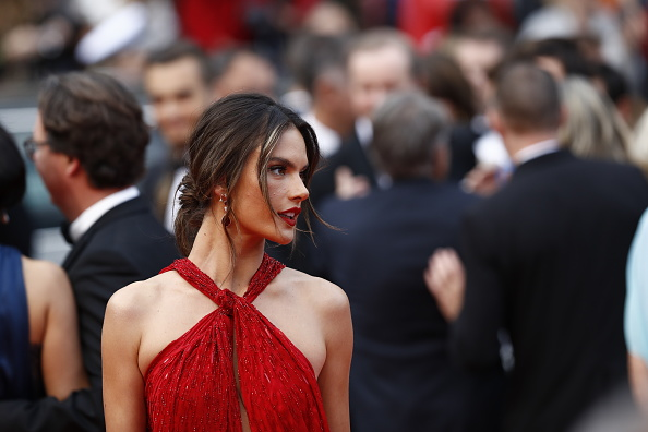 "Drop Earring「""Les Miserables"" Red Carpet - The 72nd Annual Cannes Film Festival」:写真・画像(6)[壁紙.com]"