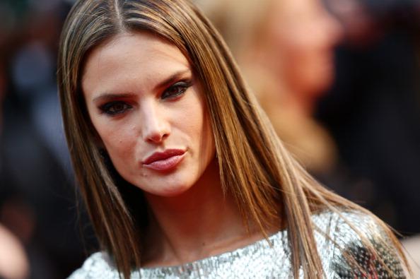 ロングヘア「'All Is Lost' Premiere - The 66th Annual Cannes Film Festival」:写真・画像(19)[壁紙.com]
