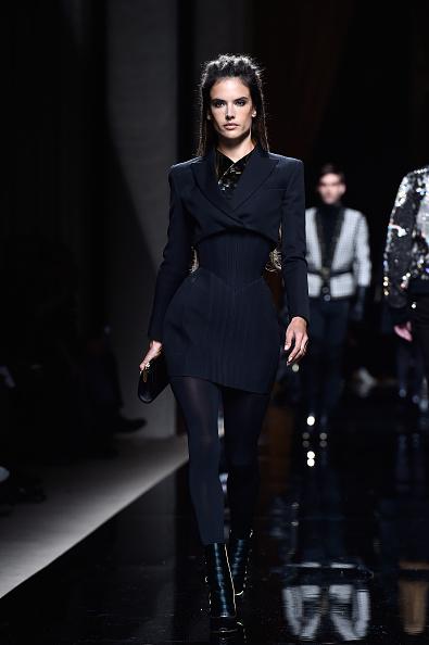 パリ・メンズ・ファッションウィーク「Balmain : Runway - Paris Fashion Week - Menswear F/W 2016-2017」:写真・画像(16)[壁紙.com]