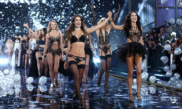 ファッションショー「2014 Victoria's Secret Fashion Show - Runway」:写真・画像(8)[壁紙.com]