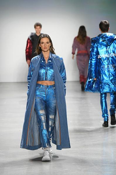 John John Denim「John John - Runway - February 2019 - New York Fashion Week: The Shows」:写真・画像(1)[壁紙.com]