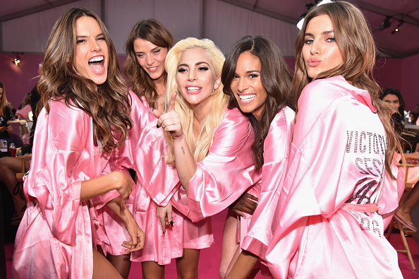 Victoria's Secret「2016 Victoria's Secret Fashion Show in Paris - Hair & Makeup」:写真・画像(0)[壁紙.com]