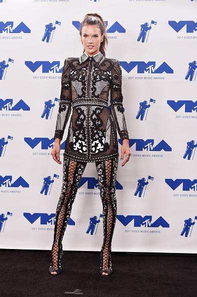 アレッサンドラ・アンブロジオ「2017 MTV Video Music Awards - Press Room」:写真・画像(3)[壁紙.com]