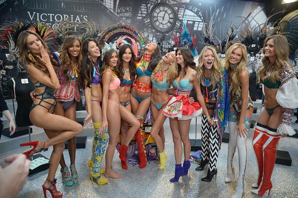 ヴィクトリアズ・シークレット・ファッションショー「2016 Victoria's Secret Fashion Show in Paris - Backstage」:写真・画像(18)[壁紙.com]