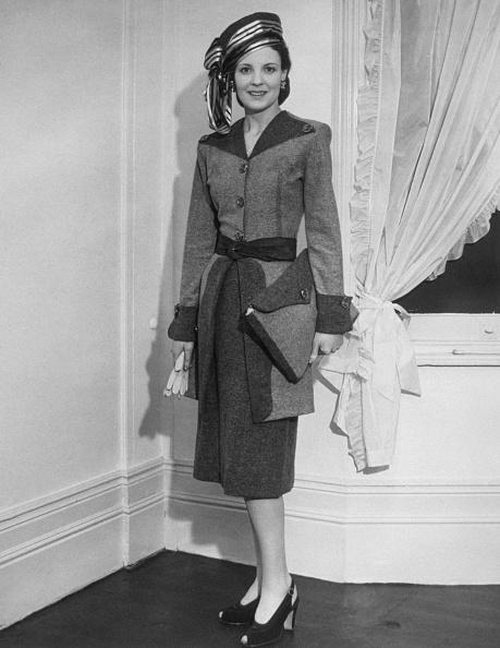 1940-1949「A Smart Suit」:写真・画像(2)[壁紙.com]