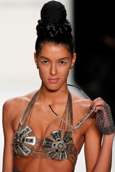 Eyeliner「Miranda Konstantinidou Show - Mercedes-Benz Fashion Week Autumn/Winter 2013/14」:写真・画像(18)[壁紙.com]