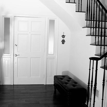 Front Door「Settee, front door and staircase in modern entryway」:スマホ壁紙(19)