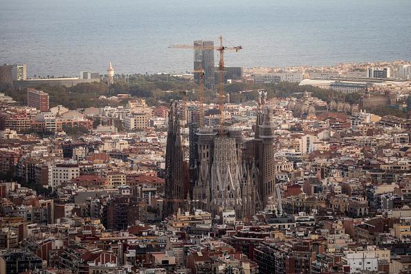 Sagrada Familia - Barcelona「Catalans Hold Their Breath Ahead Of Tomorrow's Parliamentary Announcement」:写真・画像(14)[壁紙.com]
