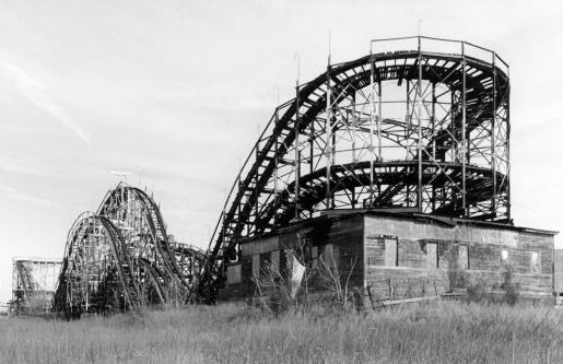 Coney Island - Brooklyn「Old rollercoaster in Coney Island NY」:スマホ壁紙(2)