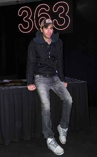 Enrique Iglesias - Singer「Enrique Iglesias - Album Signing」:写真・画像(4)[壁紙.com]