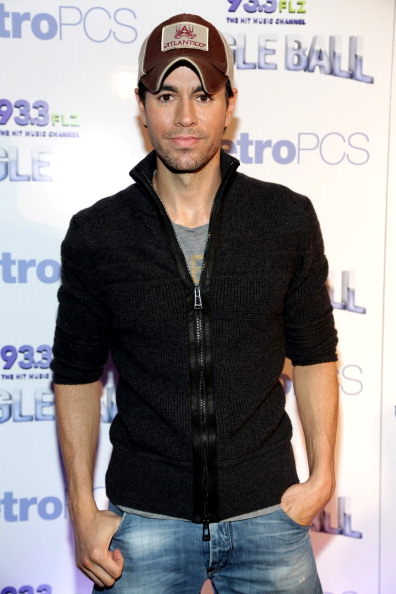 Enrique Iglesias - Singer「93.3 FLZ's Jingle Ball 2013 - Press Room」:写真・画像(4)[壁紙.com]
