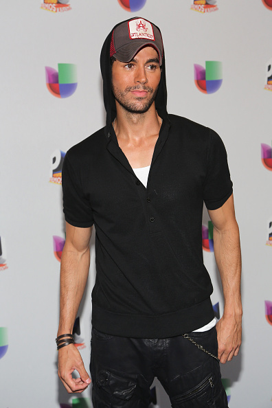 Enrique Iglesias - Singer「Univision's 13th Edition Of Premios Juventud Youth Awards - Backstage」:写真・画像(19)[壁紙.com]