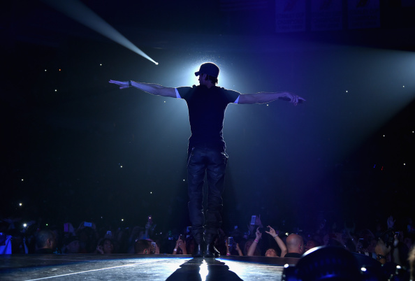 Enrique Iglesias - Singer「Enrique Iglesias and Pitbull Perform at Opening Night of U.S. Tour」:写真・画像(7)[壁紙.com]