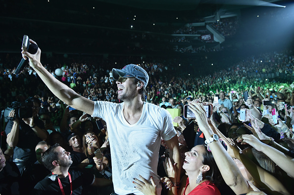 Enrique Iglesias - Singer「Enrique Iglesias and Pitbull Perform at Opening Night of U.S. Tour」:写真・画像(13)[壁紙.com]