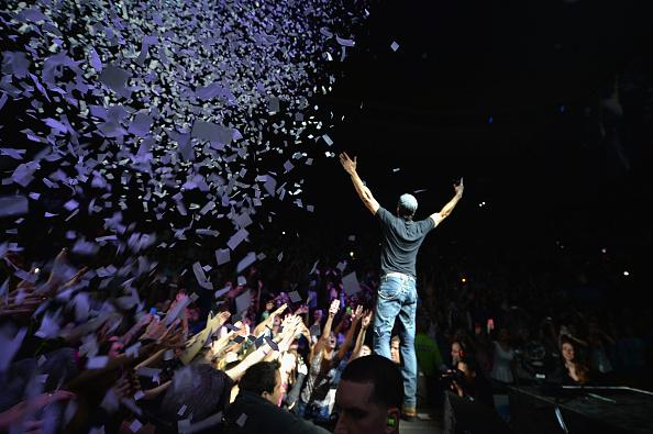 Enrique Iglesias - Singer「KISS 108's Jingle Ball 2013 - SHOW」:写真・画像(10)[壁紙.com]