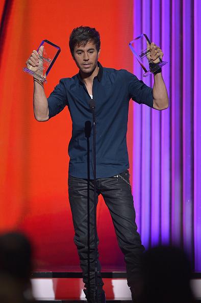 Enrique Iglesias - Singer「2015 Billboard Latin Music Awards - Show」:写真・画像(9)[壁紙.com]