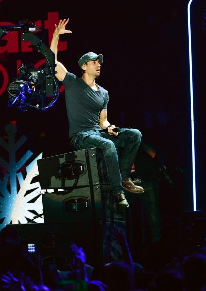 Enrique Iglesias - Singer「Z100's Jingle Ball 2013 Presented by Aeropostale - Show」:写真・画像(19)[壁紙.com]