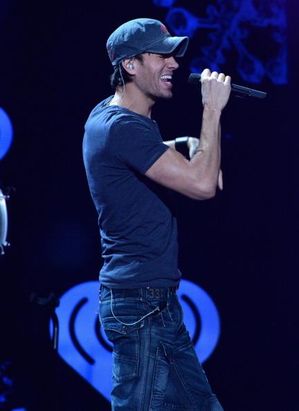Enrique Iglesias - Singer「Z100's Jingle Ball 2013 Presented by Aeropostale - Show」:写真・画像(4)[壁紙.com]