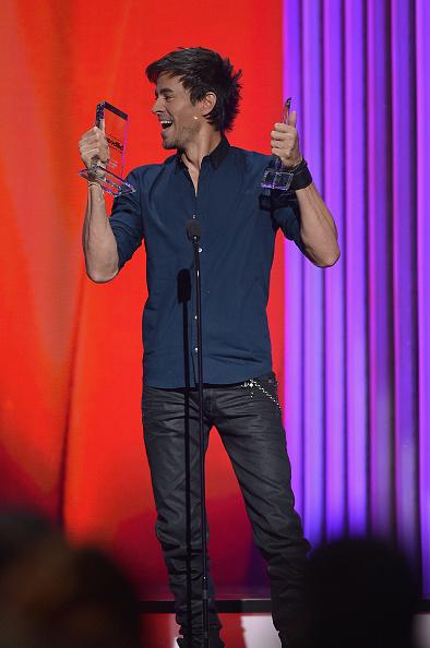 Enrique Iglesias - Singer「2015 Billboard Latin Music Awards - Show」:写真・画像(8)[壁紙.com]