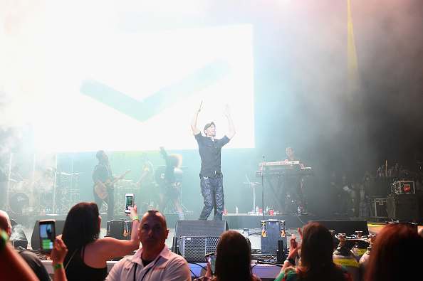 Enrique Iglesias - Singer「103.5 KTU's KTUphoria - Show」:写真・画像(5)[壁紙.com]