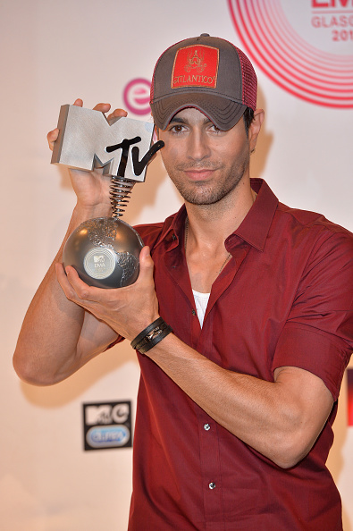 Enrique Iglesias - Singer「MTV EMA's 2014 - Winners Room」:写真・画像(0)[壁紙.com]
