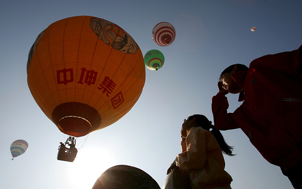 気球「First Hot Air Balloon Competition In China」:写真・画像(1)[壁紙.com]