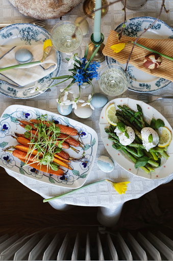 Poached Food「Easter brunch table shot from above」:スマホ壁紙(5)