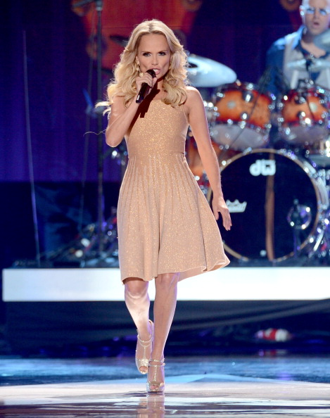 Sleeveless Dress「2012 American Country Awards - Show」:写真・画像(19)[壁紙.com]