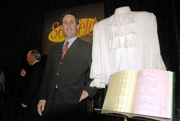 "Shirt「Smithsonian National Museum Receives ""Puffy Shirt"" From Jerry Seinfeld」:写真・画像(11)[壁紙.com]"