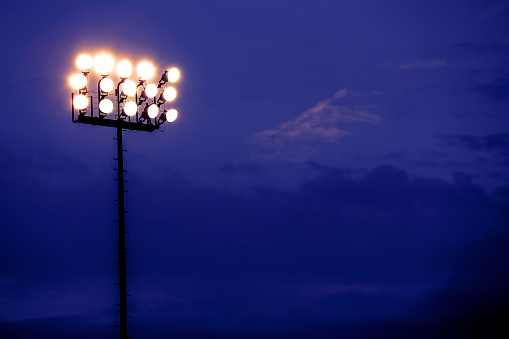 Floodlight「Sports stadium lights at dusk, night.」:スマホ壁紙(7)