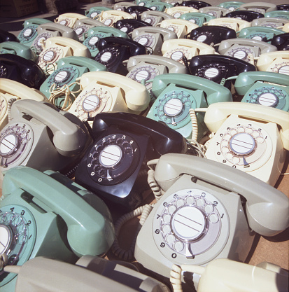Side By Side「Rotary phones in a storage room of a telephone company」:スマホ壁紙(15)