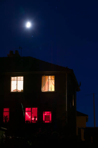 A moon and house at night Ambleside UK:ニュース(壁紙.com)