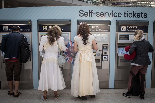 Train - Vehicle「Prince Harry Marries Ms. Meghan Markle - Atmosphere」:写真・画像(3)[壁紙.com]
