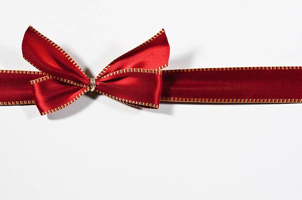 red ribbon with golden seam:スマホ壁紙(壁紙.com)