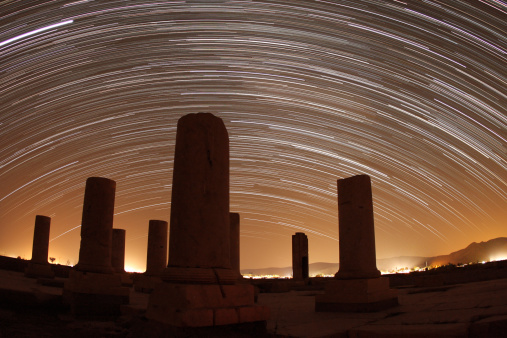 Iranian Culture「Star trails above the Private Palace of Cyrus the Great, Pasargadae, Fars Province, Iran.」:スマホ壁紙(3)