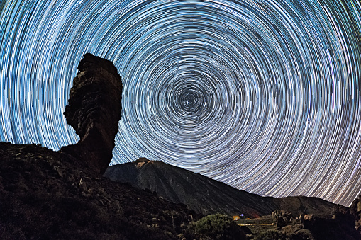 Active Volcano「Star trails over of Teide volcano and Los Roques de Garcia rocks, Teide National Park, Tenerife, Canary islands, Spain.」:スマホ壁紙(7)