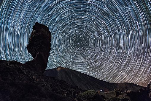 Basalt「Star trails over of Teide volcano and Los Roques de Garcia rocks, Teide National Park, Tenerife, Canary islands, Spain.」:スマホ壁紙(2)