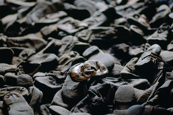 Full Frame「Shoes at Concentration Camp, Poland」:写真・画像(13)[壁紙.com]