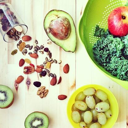 Kiwi「Fruit, vegetables and mixed nuts」:スマホ壁紙(7)