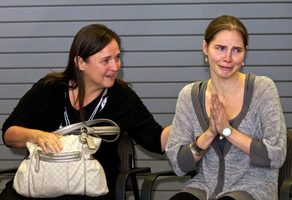 Gratitude「Amanda Knox Returns Home To Seattle After Italian Court Overturns Her Murder Conviction」:写真・画像(0)[壁紙.com]