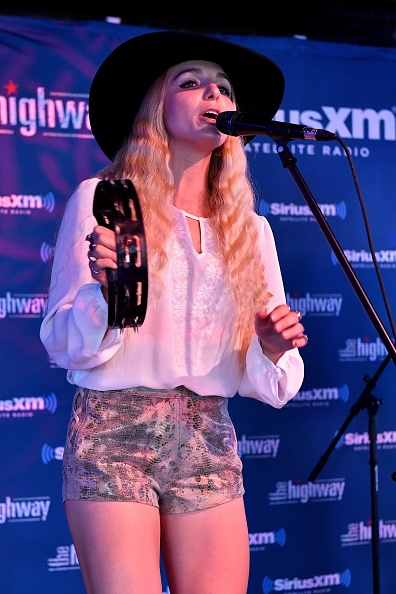 Stage - Performance Space「SiriusXM's The Highway Broadcasts Live During The Solar Eclipse In Nashville Featuring A Live Performance By Delta Rae At The FGL House」:写真・画像(0)[壁紙.com]