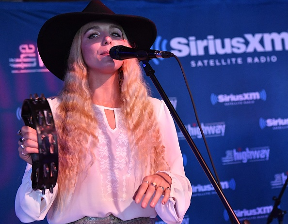 Stage - Performance Space「SiriusXM's The Highway Broadcasts Live During The Solar Eclipse In Nashville Featuring A Live Performance By Delta Rae At The FGL House」:写真・画像(17)[壁紙.com]