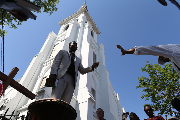 Charleston - South Carolina「Charleston In Mourning After 9 Killed In Church Massacre」:写真・画像(18)[壁紙.com]
